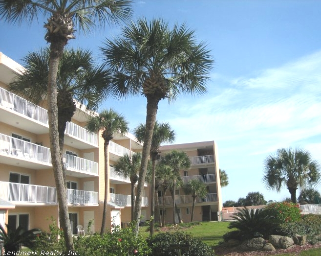 Click here to enlarge the picture of Beach Tennis Resort Condos
