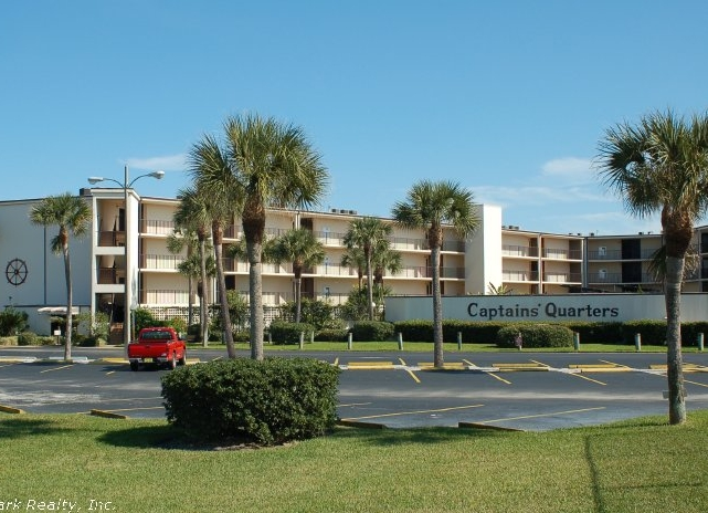Click here to enlarge the picture of Captain's Quarters Condos