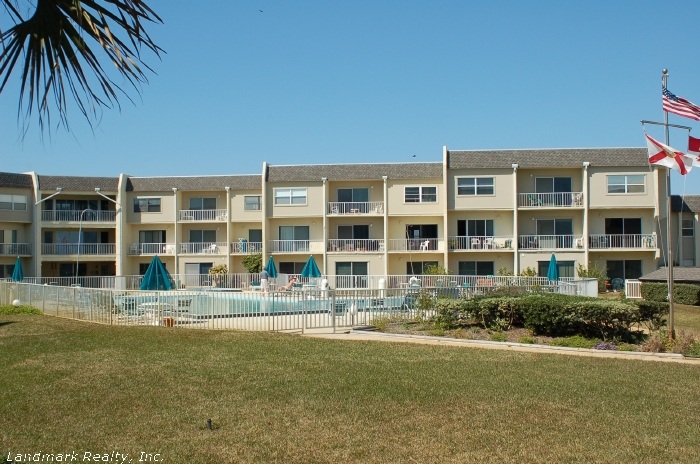 Creston House is an beachfront complex with direct ocean front condos and ocean view condos.