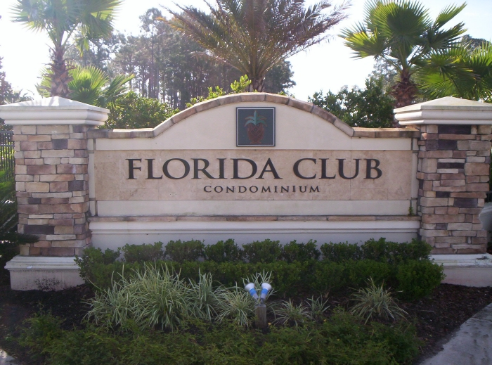 There are 264 condominiums at Florida Club, built in 2001.