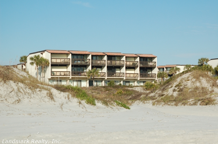 Click here to enlarge the picture of Island House Condo