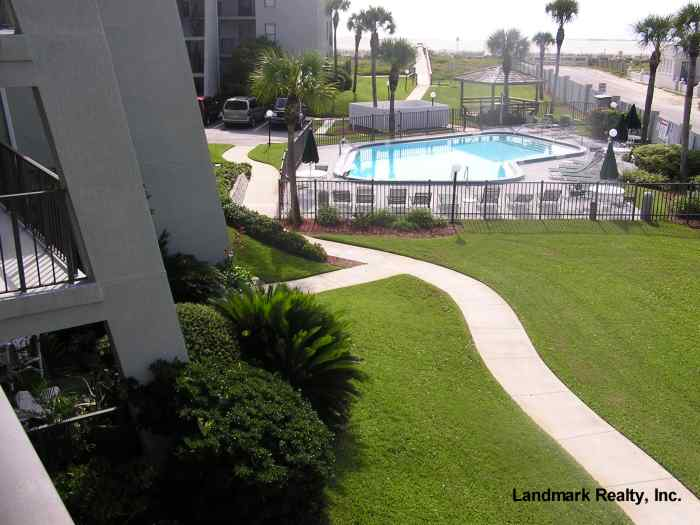 Click here to enlarge the picture of Island South Condo