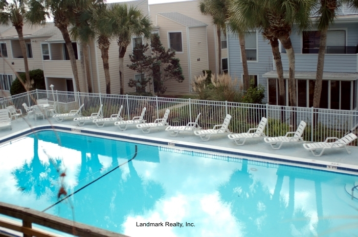 Click here to enlarge the picture of Quail Hollow Condo