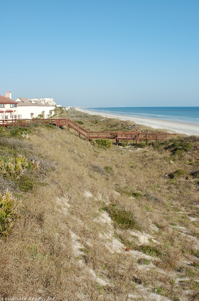 Click here to enlarge the picture of Spyglass Condos view of sand dunes