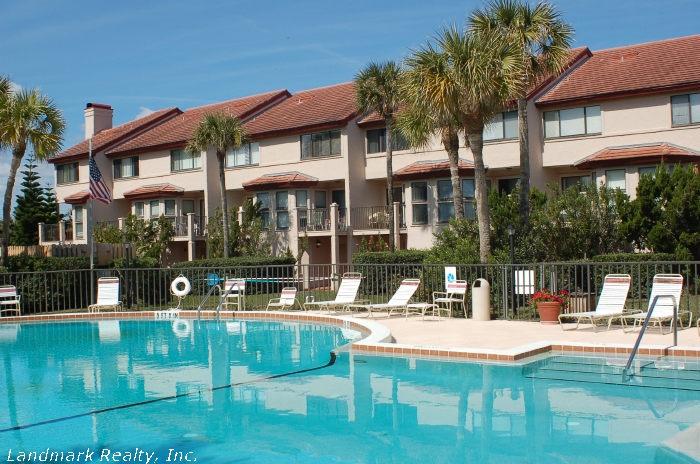 Click here to enlarge the picture of Spyglass Condos pool area