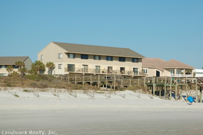 Click here to enlarge the view of Summerhouse Condos from ocean