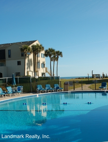 Click here to enlarge the picture of Summerhouse Condos main pool area