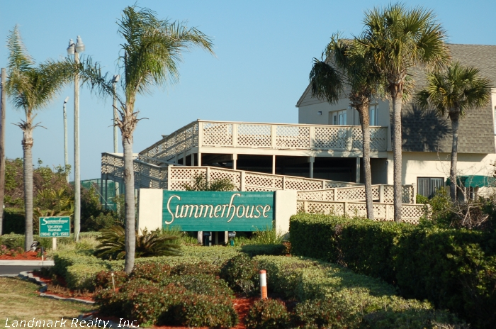 Click here to enlarge the picture of Summerhouse Condos main entrance