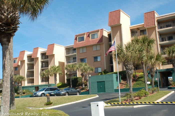 Click here to enlarge the picture of Windjammer Condos