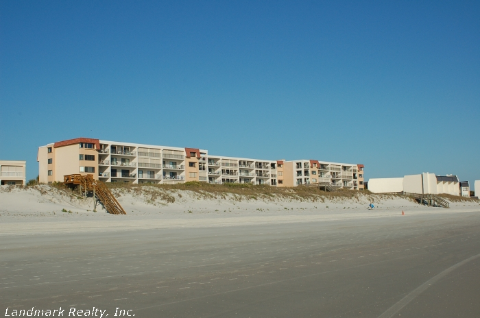 Click here to enlarge the ocea front view picture of Windjammer Condos