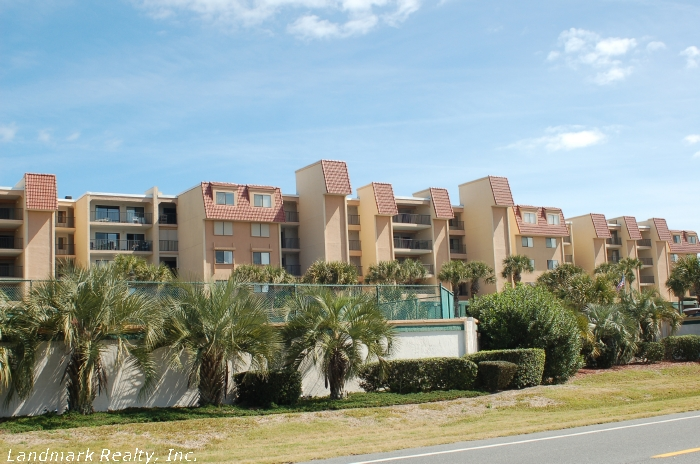 Click here to enlarge the picture of Windjammer Condos from highway A1A