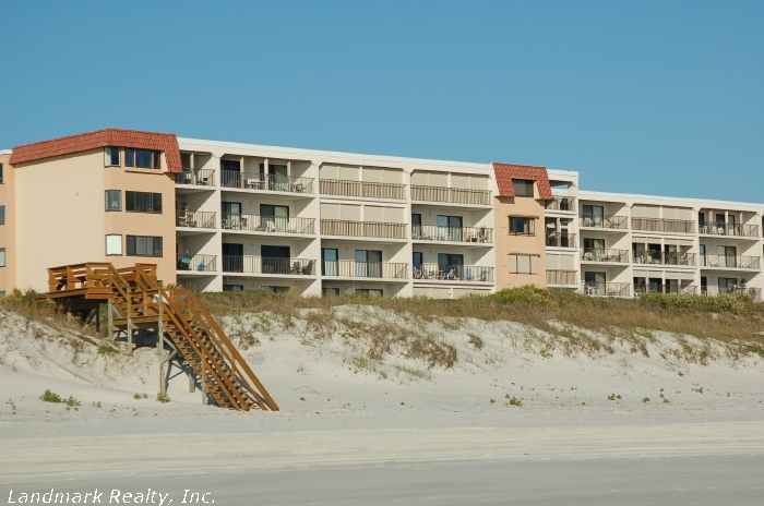 Click here to enlarge the picture of the Windjammer Condos from the ocean
