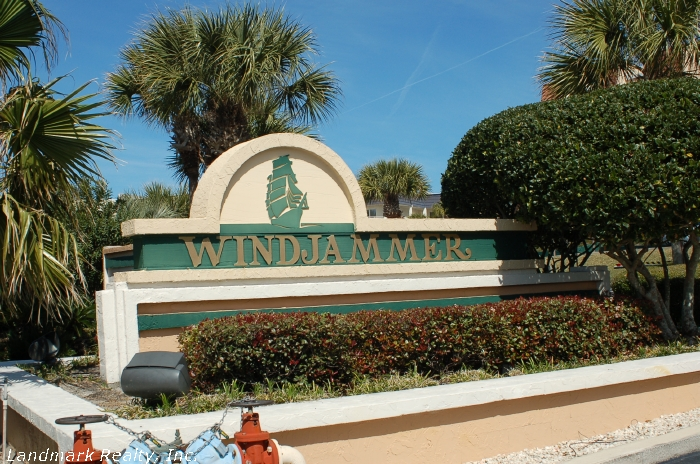 Click here to enlarge the picture of Windjammer Condos front gate