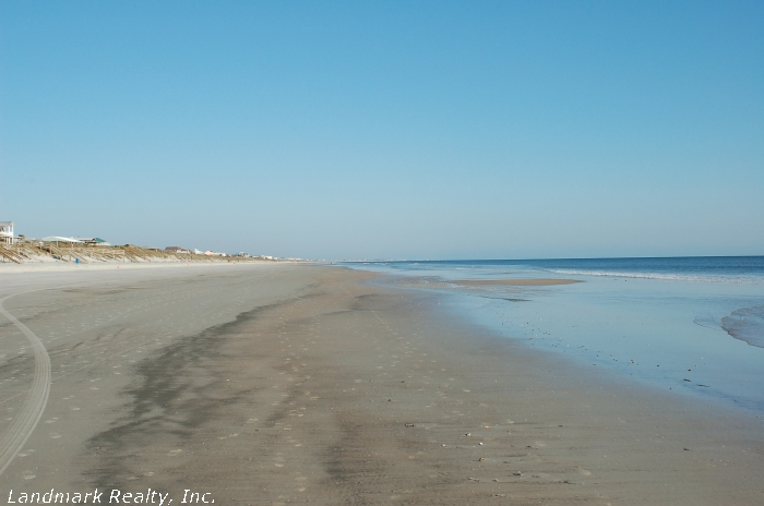 Click here to enlarge the beach front picture of St Augustine Beach