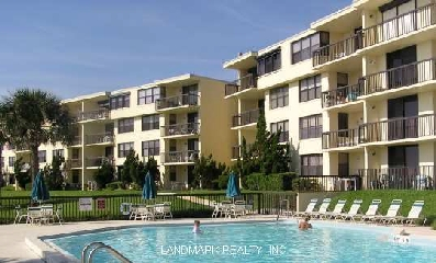 Waterfront condos in Florida consist of oceanfront condominiums, riverfront condos, beach front properties and intracoastal front condominiums