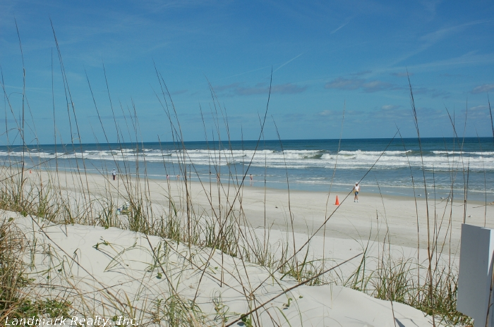 The Greens condominiums are less than 8 miles from Crescent Beach.